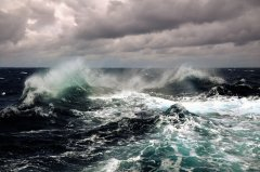 就算你是游泳高手,如果掉进茫茫无际的大海,还能做什么?